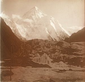 The first image of K2 as taken by Jules Jacot-Guillermod in 1902 and recently purchased in auction by Bob Schelfhout-Aubertijn in 2011.